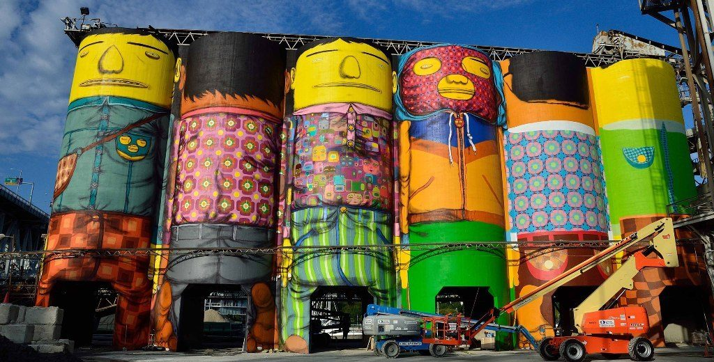 Os Gemeos Vancouver-Biennale - the-Planet
