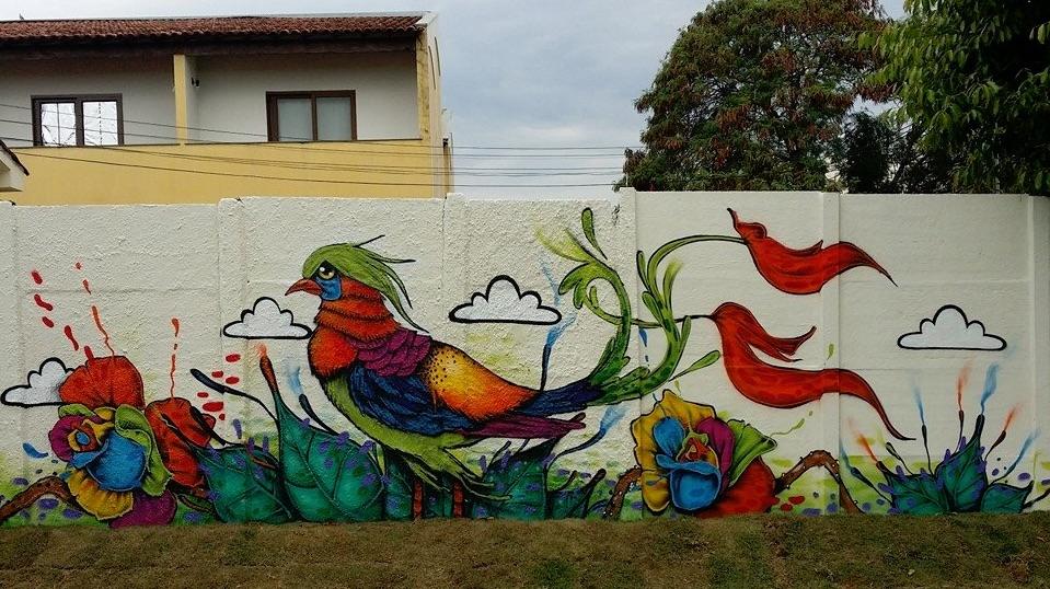 Dequete - passaro mural arte